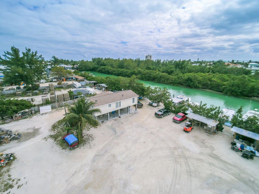 Additional photo for property listing at 108 Avenue A 108 Avenue A Marathon, Florida 33050 États-Unis