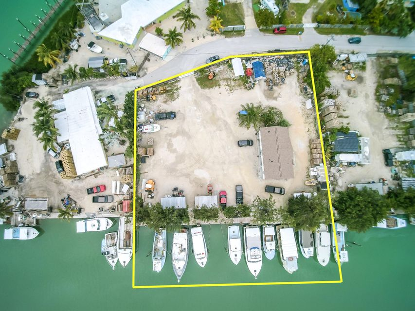 Additional photo for property listing at 108 Avenue A 108 Avenue A Marathon, Florida 33050 Estados Unidos