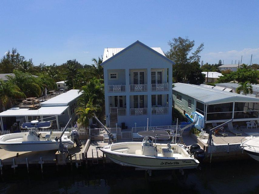 Single Family Home for Rent at 321 Oleander Drive Key Largo, Florida 33070 United States