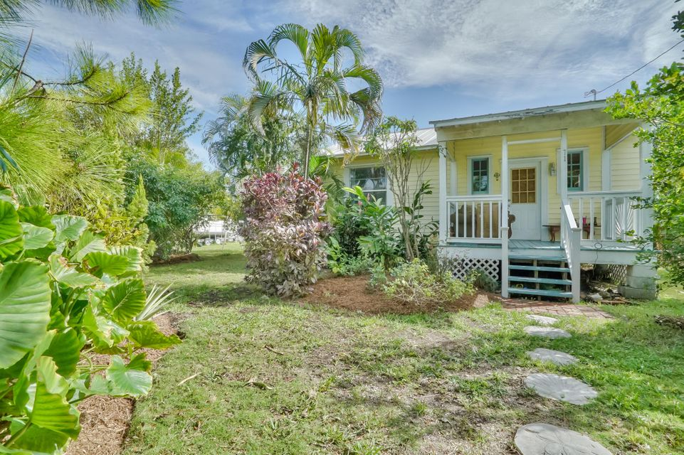71 Johnson Road, Sugarloaf Key, FL 33042