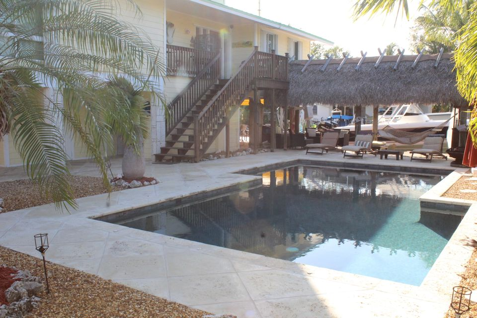 Additional photo for property listing at 110 Oleander Circle  Key Largo, Florida 33037 Stati Uniti