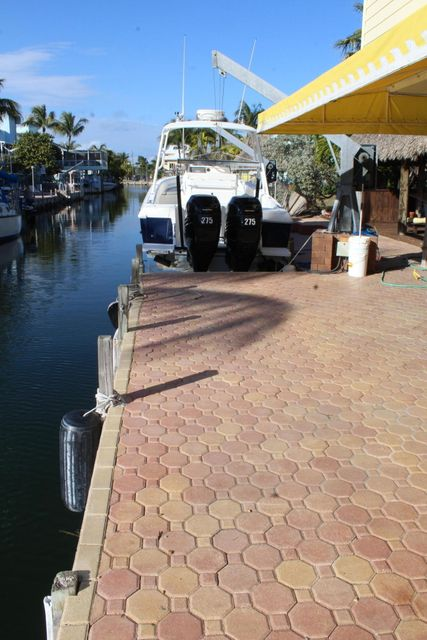 Additional photo for property listing at 110 Oleander Circle  Key Largo, Florida 33037 États-Unis