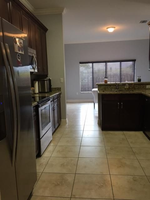 Additional photo for property listing at 2344 SE 16th Terr Homestead  Homestead, Florida 33035 Vereinigte Staaten