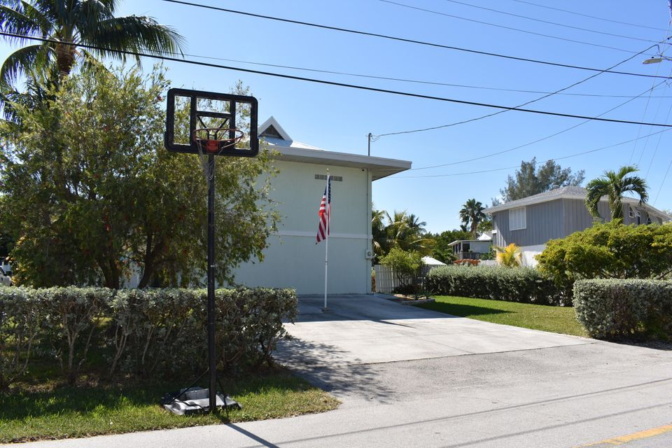 Additional photo for property listing at 976 Ocotillo Lane 976 Ocotillo Lane Marathon, Florida 33050 Vereinigte Staaten