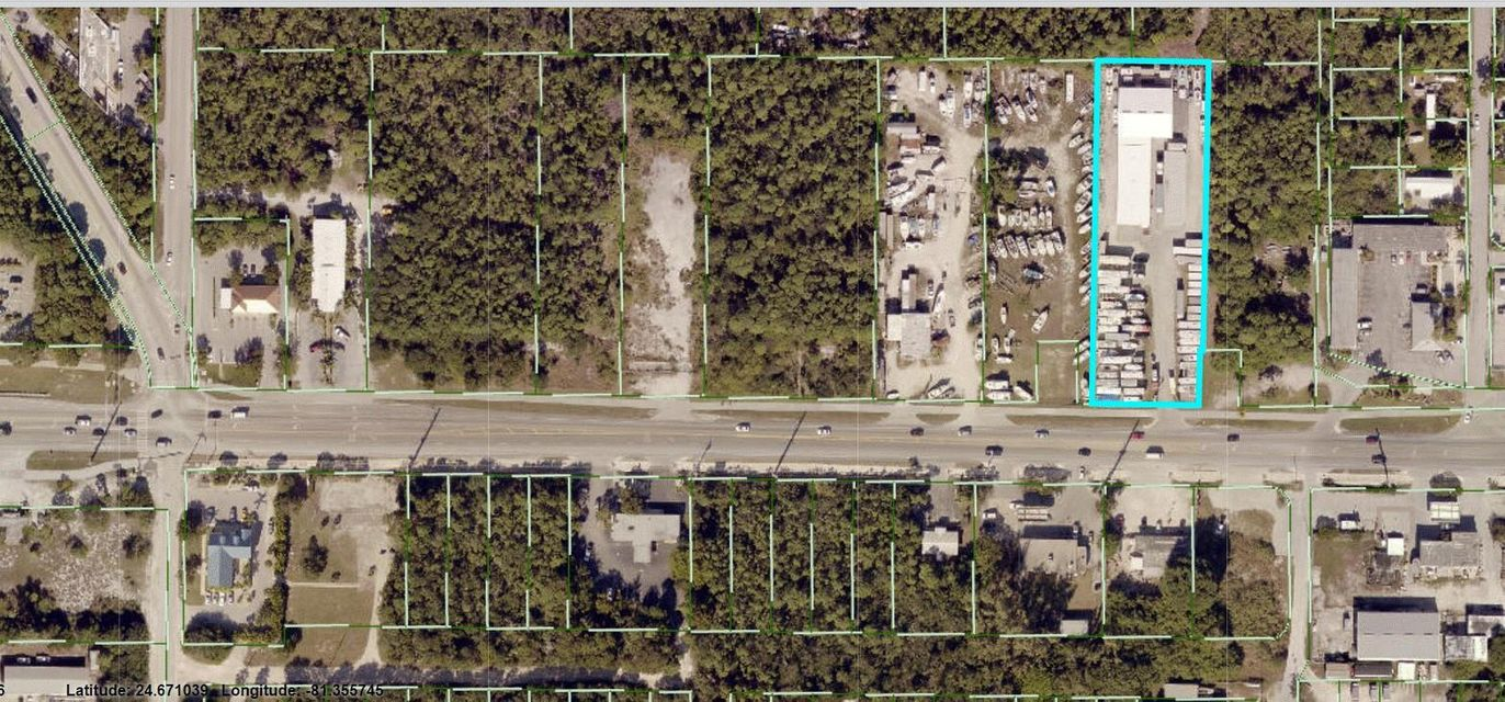 Commercial pour l Vente à 30677 Overseas Highway Big Pine Key, Florida 33043 États-Unis