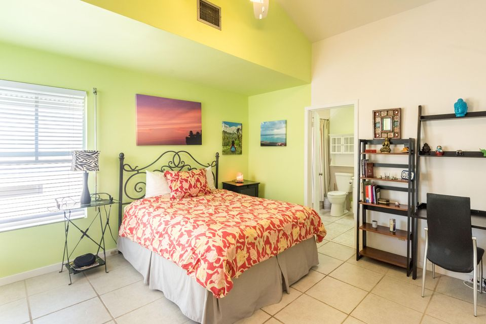 Additional photo for property listing at 1075 Duval Street 1075 Duval Street Key West, Φλοριντα 33040 Ηνωμενεσ Πολιτειεσ