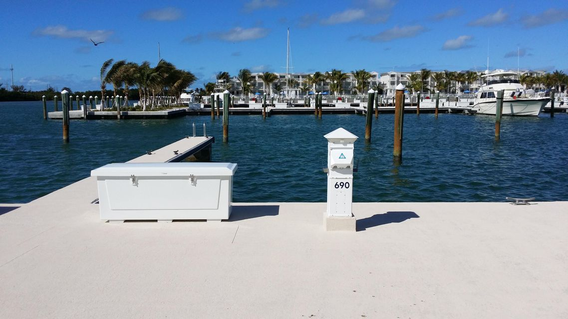 Additional photo for property listing at 5950 Peninsular Avenue 5950 Peninsular Avenue Stock Island, Florida 33040 Estados Unidos