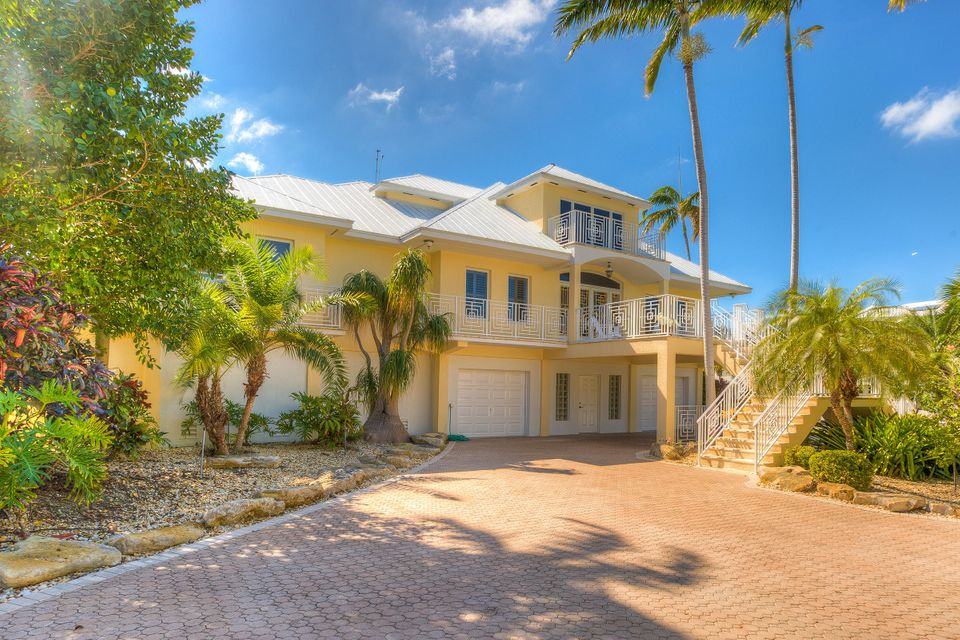 Maison unifamiliale pour l Vente à 24907 Hunt Lane Summerland Key, Florida 33042 États-Unis