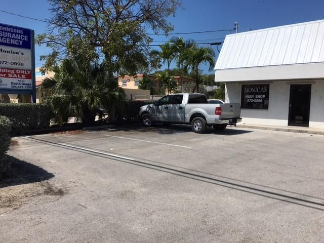 Additional photo for property listing at 30971 Avenue A  Big Pine Key, Florida 33043 United States