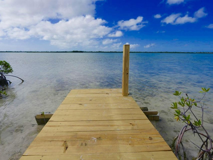 Additional photo for property listing at 680 State Road 4 A  Summerland Key, Florida 33042 Verenigde Staten