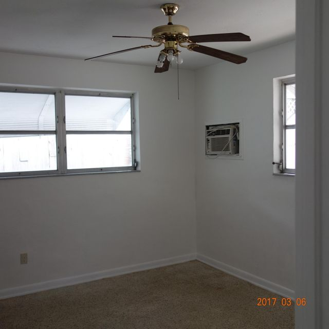 Additional photo for property listing at 1104 Grand Street  Key Largo, Florida 33037 États-Unis