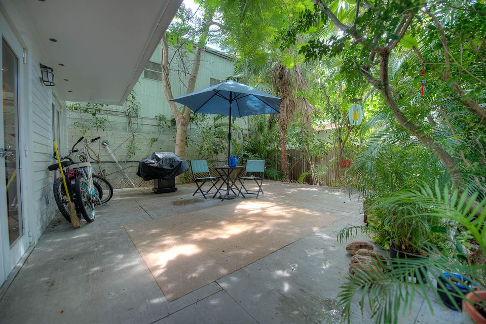 Additional photo for property listing at 1108 White Street  Key West, Florida 33040 États-Unis