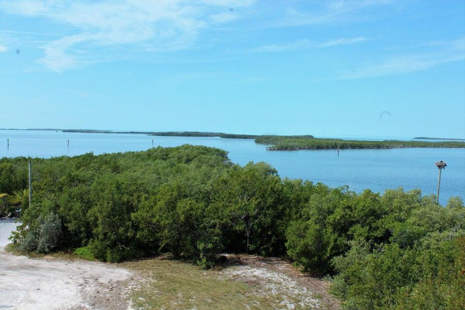 Terrain pour l Vente à 116 N Bounty Lane 116 N Bounty Lane Key Largo, Florida 33037 États-Unis