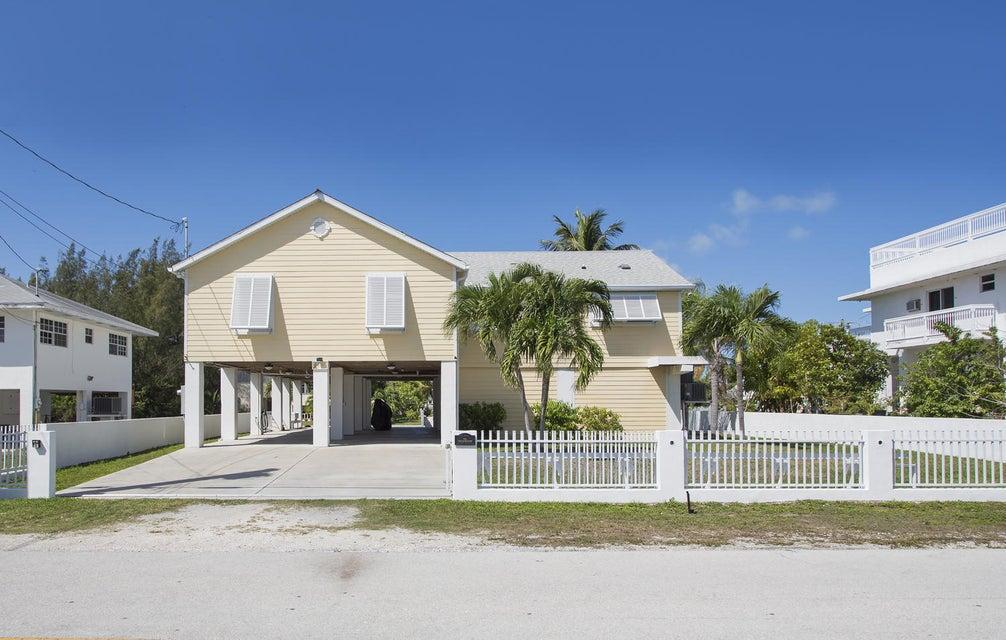 단독 가정 주택 용 매매 에 20 Emerald Drive Big Coppitt, 플로리다 33040 미국