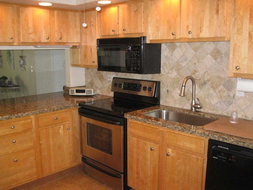 Nhà chung cư vì Bán tại 601 W Ocean Drive 601 W Ocean Drive Key Colony, Florida 33051 Hoa Kỳ