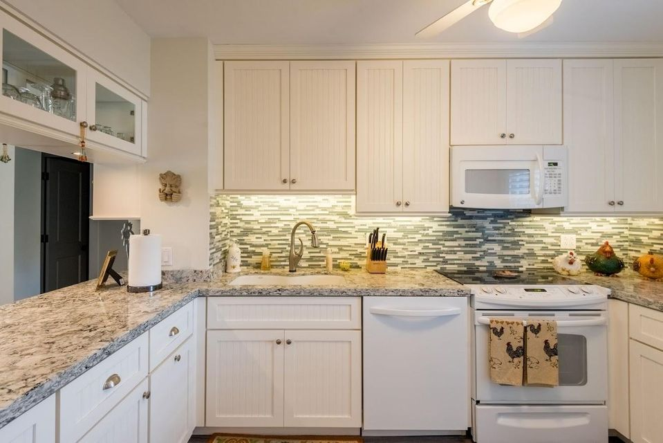 Additional photo for property listing at 2601 S Roosevelt Boulevard 2601 S Roosevelt Boulevard Key West, Φλοριντα 33040 Ηνωμενεσ Πολιτειεσ