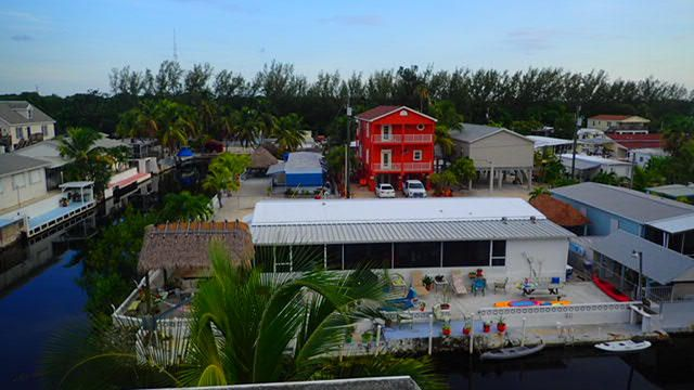Additional photo for property listing at 211 W 2nd. Court  Key Largo, Florida 33037 États-Unis