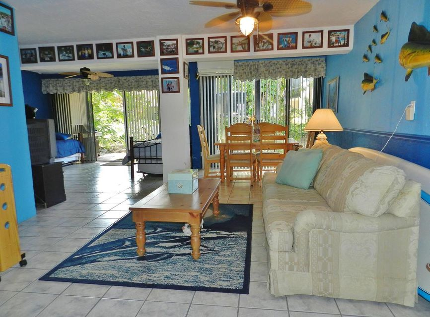 Additional photo for property listing at 9853 Leeward Avenue 9853 Leeward Avenue Key Largo, Florida 33037 Hoa Kỳ