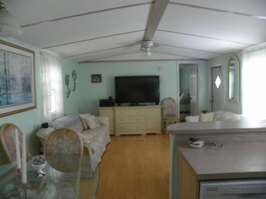 Additional photo for property listing at 47 Tina Place 47 Tina Place Key Largo, Florida 33037 Estados Unidos