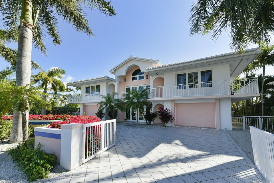Maison unifamiliale pour l Vente à 1325 Coury Drive Key Colony, Florida 33051 États-Unis