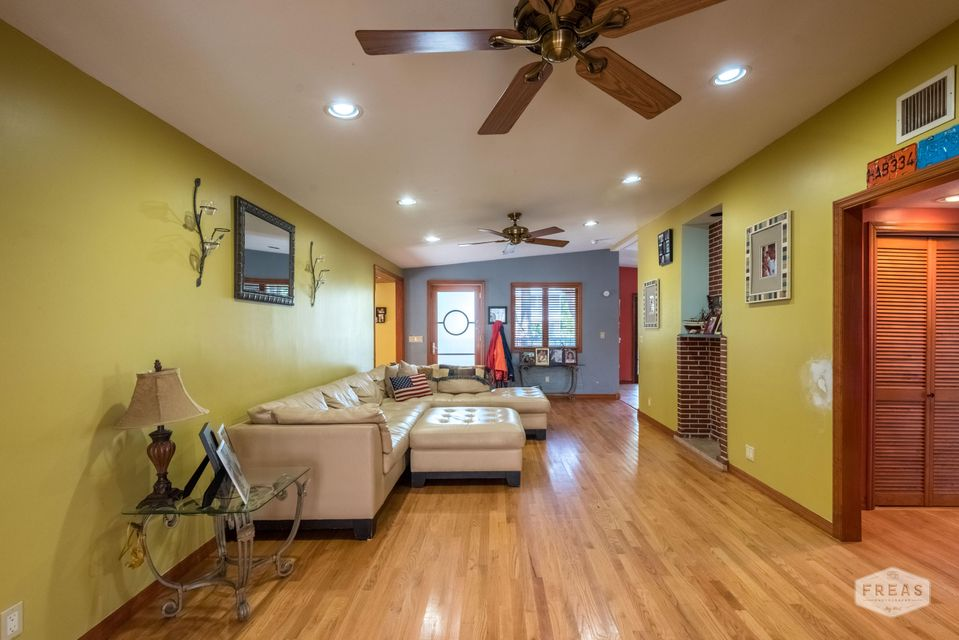 Additional photo for property listing at 19570 Mayan Street 19570 Mayan Street Sugarloaf, 佛罗里达州 33042 美国