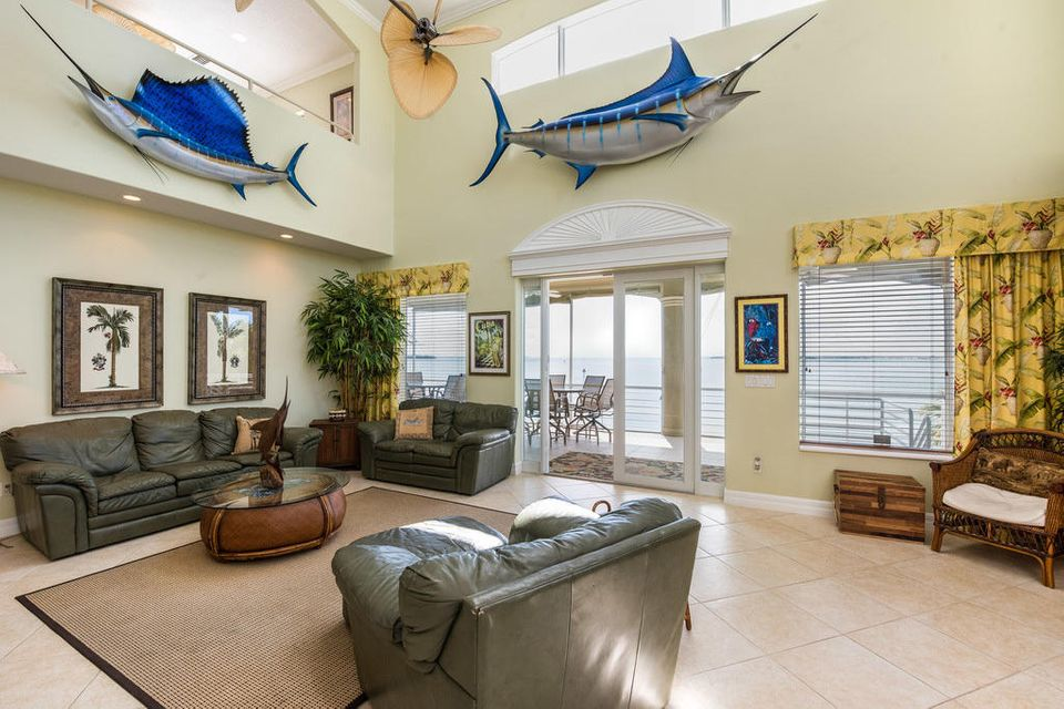 Additional photo for property listing at 974 Flagship Drive 974 Flagship Drive Summerland Key, Florida 33042 États-Unis