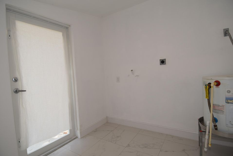 Additional photo for property listing at 28 Swallow Road 28 Swallow Road 拉哥, 佛罗里达州 33037 美国