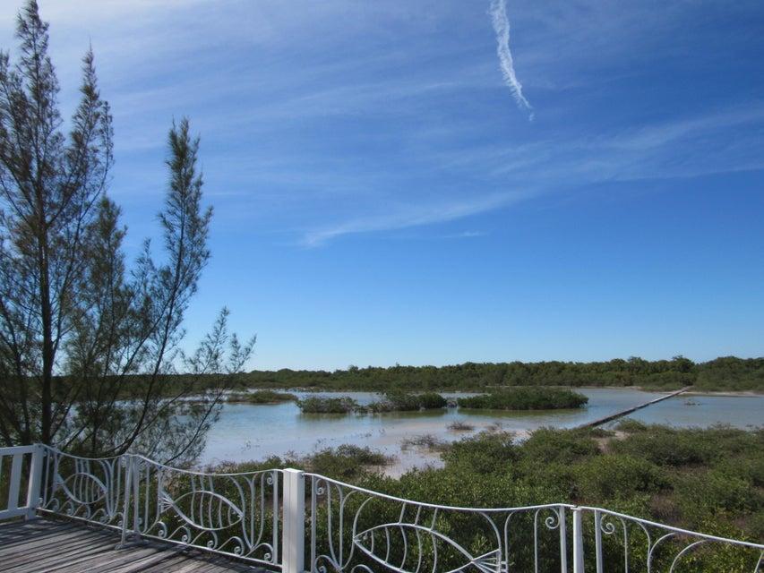 Additional photo for property listing at 31549 old state Road 31549 old state Road Big Pine Key, Florida 33043 Estados Unidos