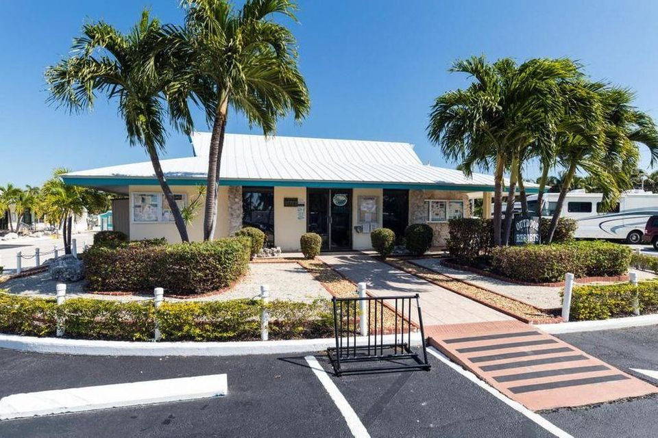 Additional photo for property listing at 65821 Overseas Highway 65821 Overseas Highway Long Key, Florida 33001 Hoa Kỳ