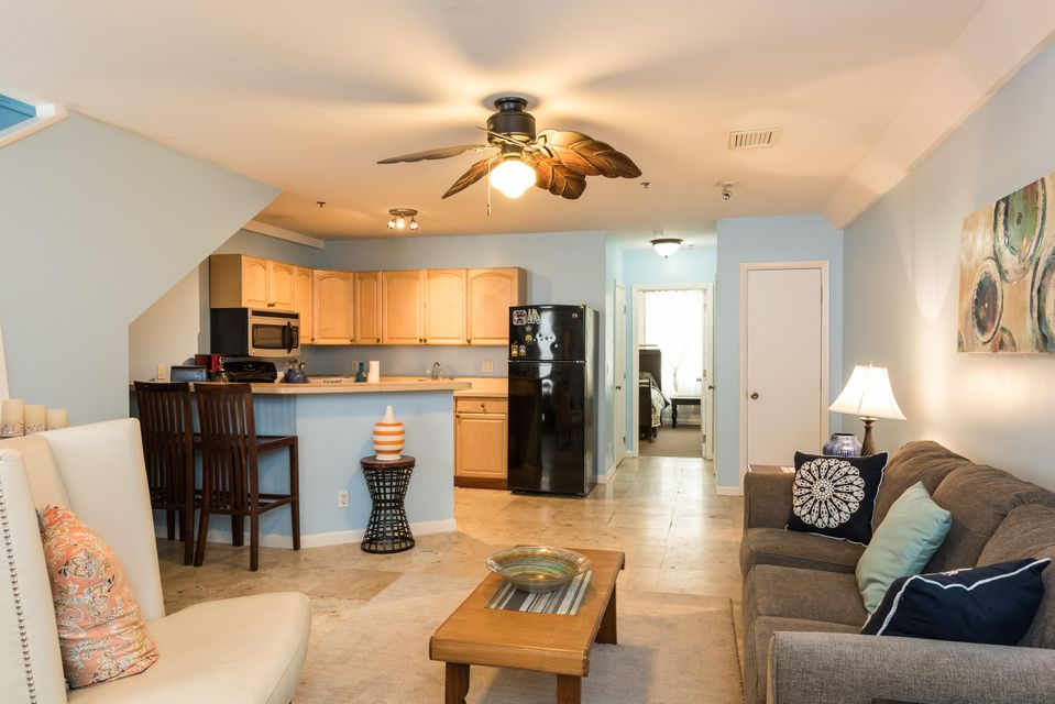 Additional photo for property listing at 1014 Truman Avenue 1014 Truman Avenue Key West, Florida 33040 Amerika Birleşik Devletleri