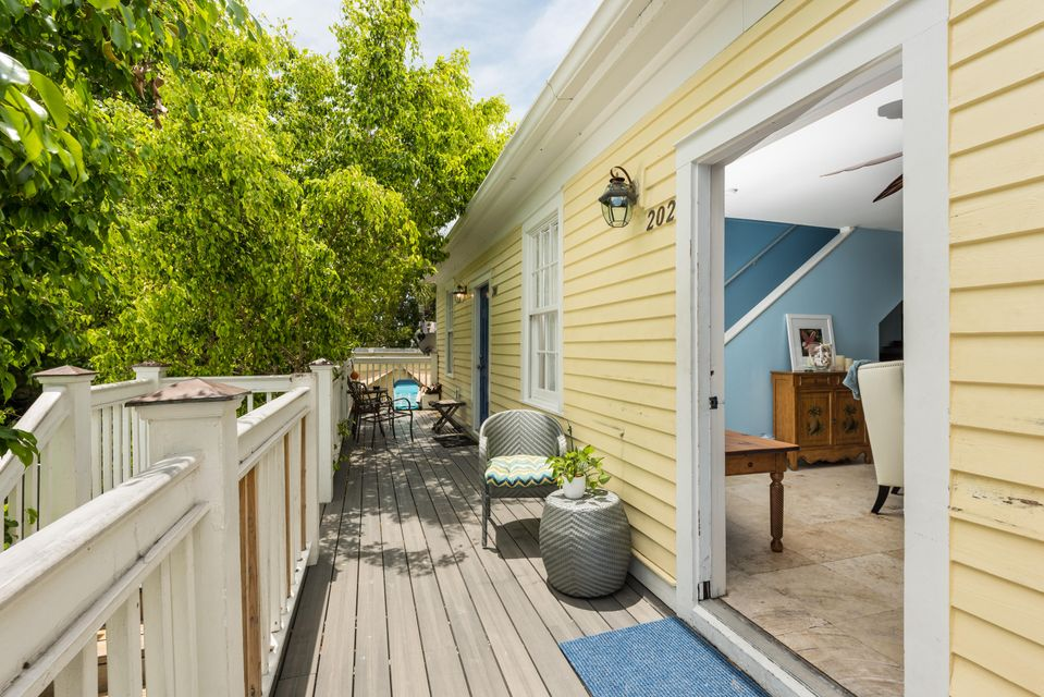 Additional photo for property listing at 1014 Truman Avenue 1014 Truman Avenue Key West, Флорида 33040 Соединенные Штаты