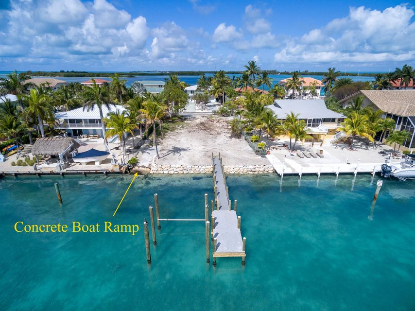 Additional photo for property listing at 427 Harbour Drive 427 Harbour Drive Duck Key, Florida 33050 États-Unis