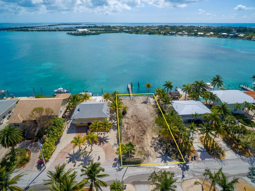 Additional photo for property listing at 427 Harbour Drive 427 Harbour Drive Duck Key, Флорида 33050 Соединенные Штаты