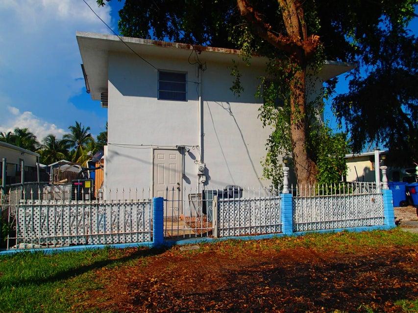 Nhà ở một gia đình vì Bán tại 435 Big Pine Road 435 Big Pine Road Key Largo, Florida 33037 Hoa Kỳ
