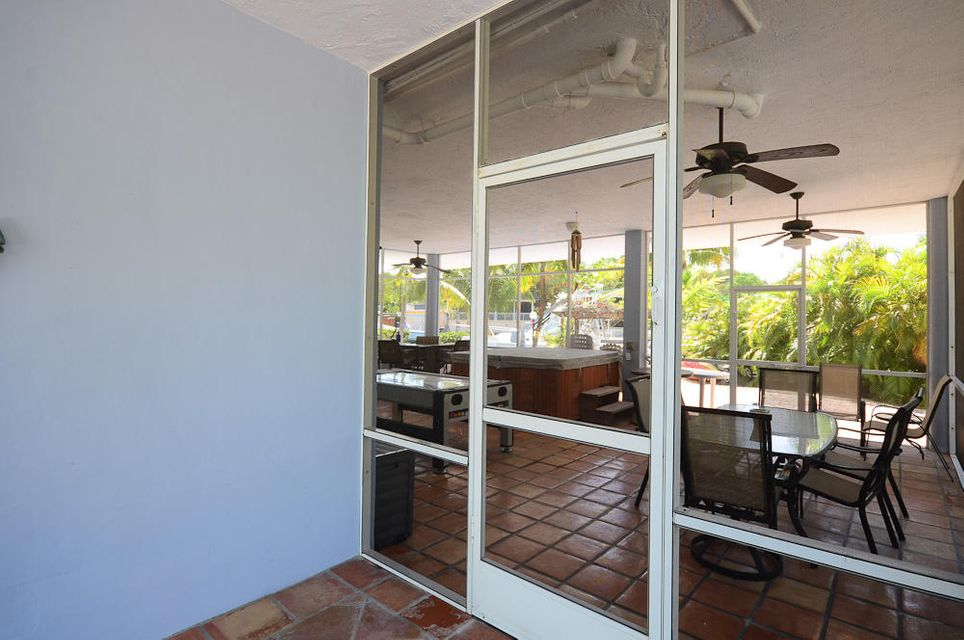 Additional photo for property listing at 878 Ellen Drive 878 Ellen Drive Key Largo, Florida 33037 Estados Unidos