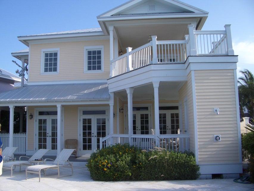 Maison unifamiliale pour l Vente à 23 Sunset Key Drive Key West, Florida 33040 États-Unis