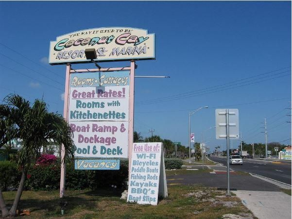 Comercial para Venda às 7196 Overseas Highway Marathon, Florida 33050 Estados Unidos