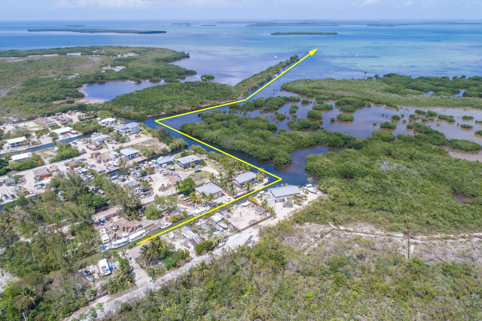 Additional photo for property listing at 29529 Big Pine Street 29529 Big Pine Street Big Pine Key, Florida 33043 Estados Unidos
