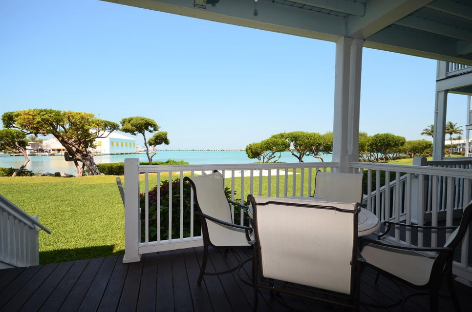 Additional photo for property listing at 5078 Sunset Village Drive 5078 Sunset Village Drive Duck Key, Florida 33050 États-Unis
