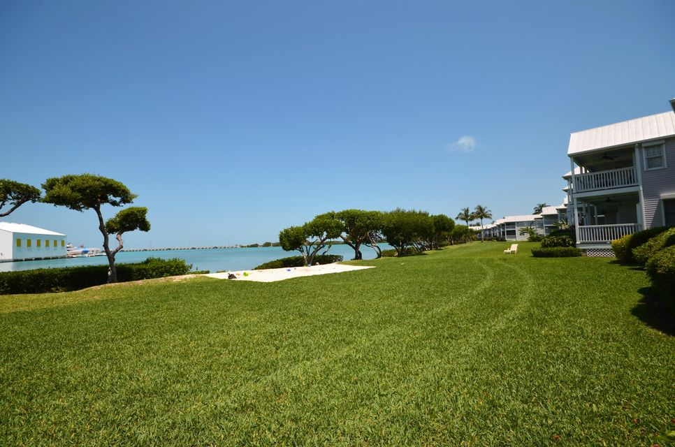 Additional photo for property listing at 5078 Sunset Village Drive 5078 Sunset Village Drive Duck Key, Florida 33050 Estados Unidos