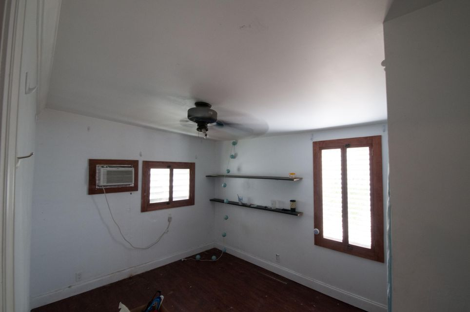 Additional photo for property listing at 323 Angela Street 323 Angela Street Key West, Florida 33040 United States