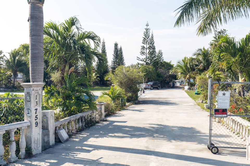 Additional photo for property listing at 13759 Overseas Highway 13759 Overseas Highway Marathon, Florida 33050 États-Unis