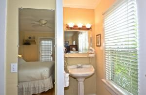Additional photo for property listing at 329 Elizabeth Street 329 Elizabeth Street Key West, 佛罗里达州 33040 美国