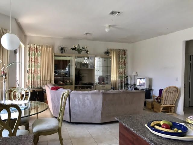 Additional photo for property listing at 1940 SE 21st Court 1940 SE 21st Court Homestead, Florida 33035 États-Unis
