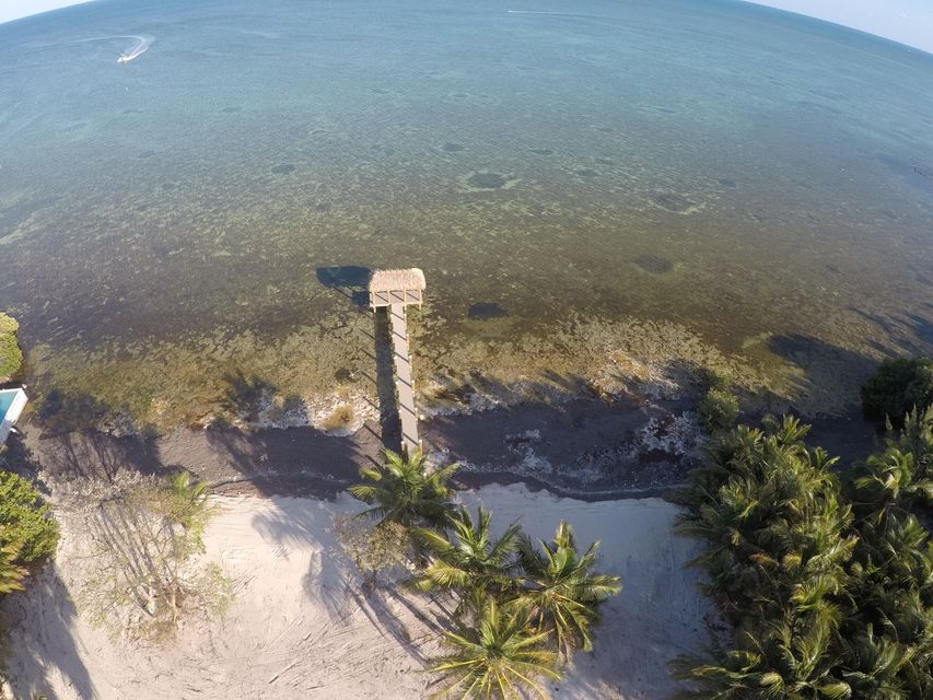 Additional photo for property listing at 82647 Old Highway 82647 Old Highway Islamorada, Florida 33036 Estados Unidos