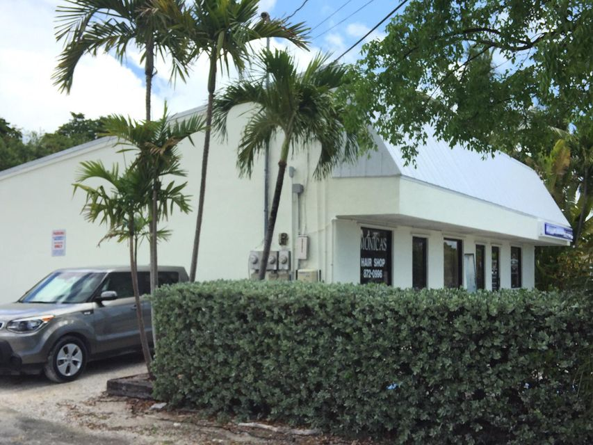 Additional photo for property listing at 30971 Ave A 30971 Ave A Big Pine Key, Florida 33043 Stati Uniti