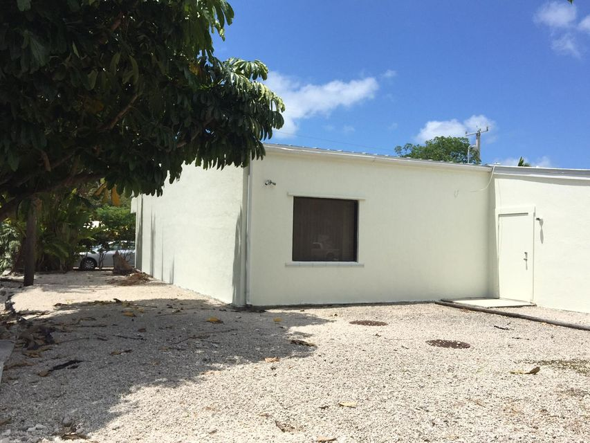 Additional photo for property listing at 30971 Ave A 30971 Ave A Big Pine Key, 佛羅里達州 33043 美國