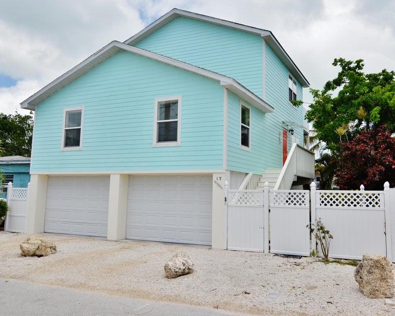 Частный односемейный дом для того Продажа на 17 Luna Lane Big Coppitt, Флорида 33040 Соединенные Штаты