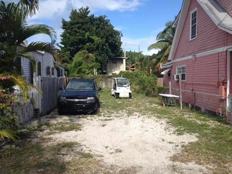 Additional photo for property listing at 317 Virginia Street 317 Virginia Street Key West, Florida 33040 Estados Unidos