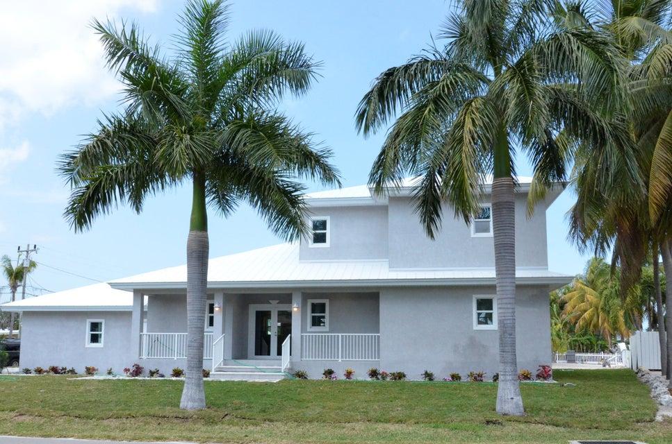 Casa para uma família para Venda às 948 W Ocean Drive 948 W Ocean Drive Key Colony, Florida 33051 Estados Unidos